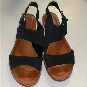 1.State Gorgeous suede & leather black sandals